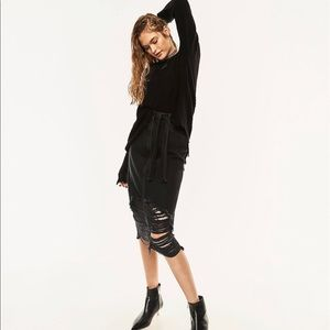 Zara ripped midi black denim skirt size: M